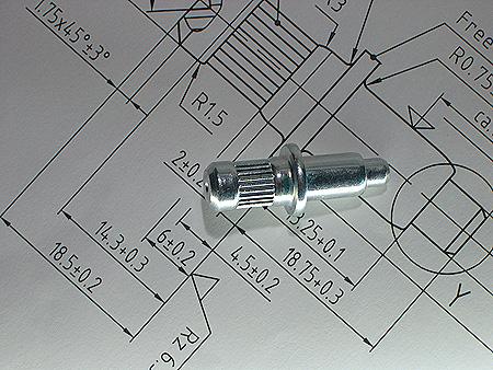 Bauteil und Zeichnung